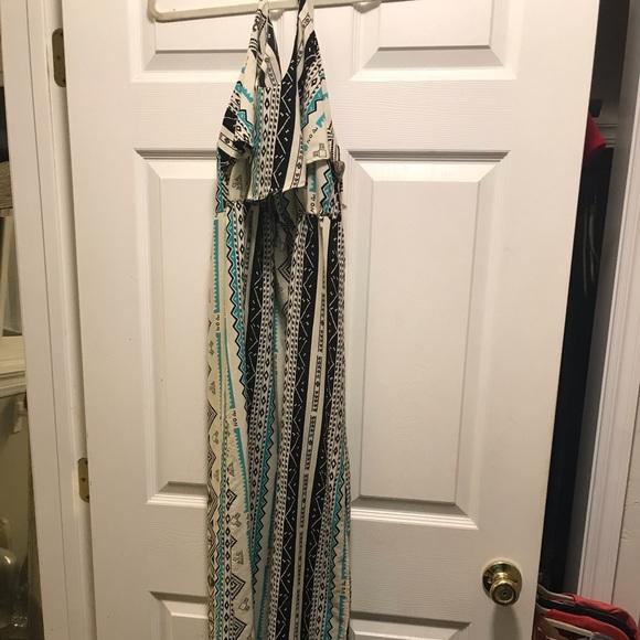Dresses & Skirts - Tribal Maxi Dress